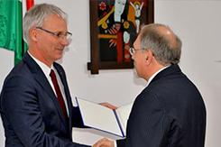 Fabiny Tibor Károli Gáspár-díjat kapott