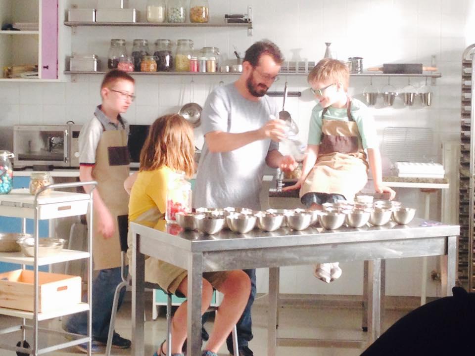 Ahol autista fiatalok készítenek első osztályú kézműves csokit