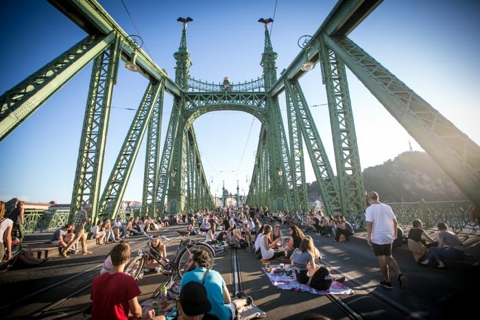 A júliusi hétvégéken idén is a gyalogosoké a Szabadság híd