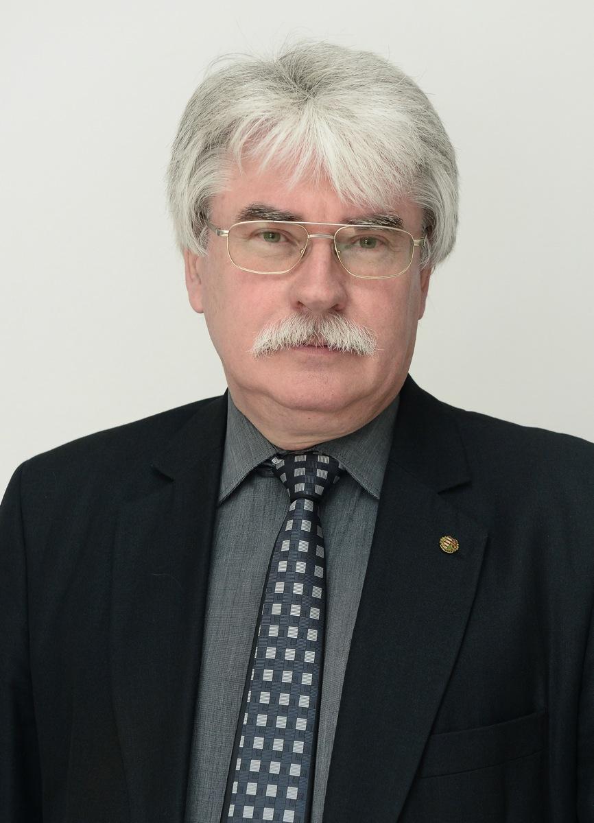 Prof. Dr. Szakály Sándor