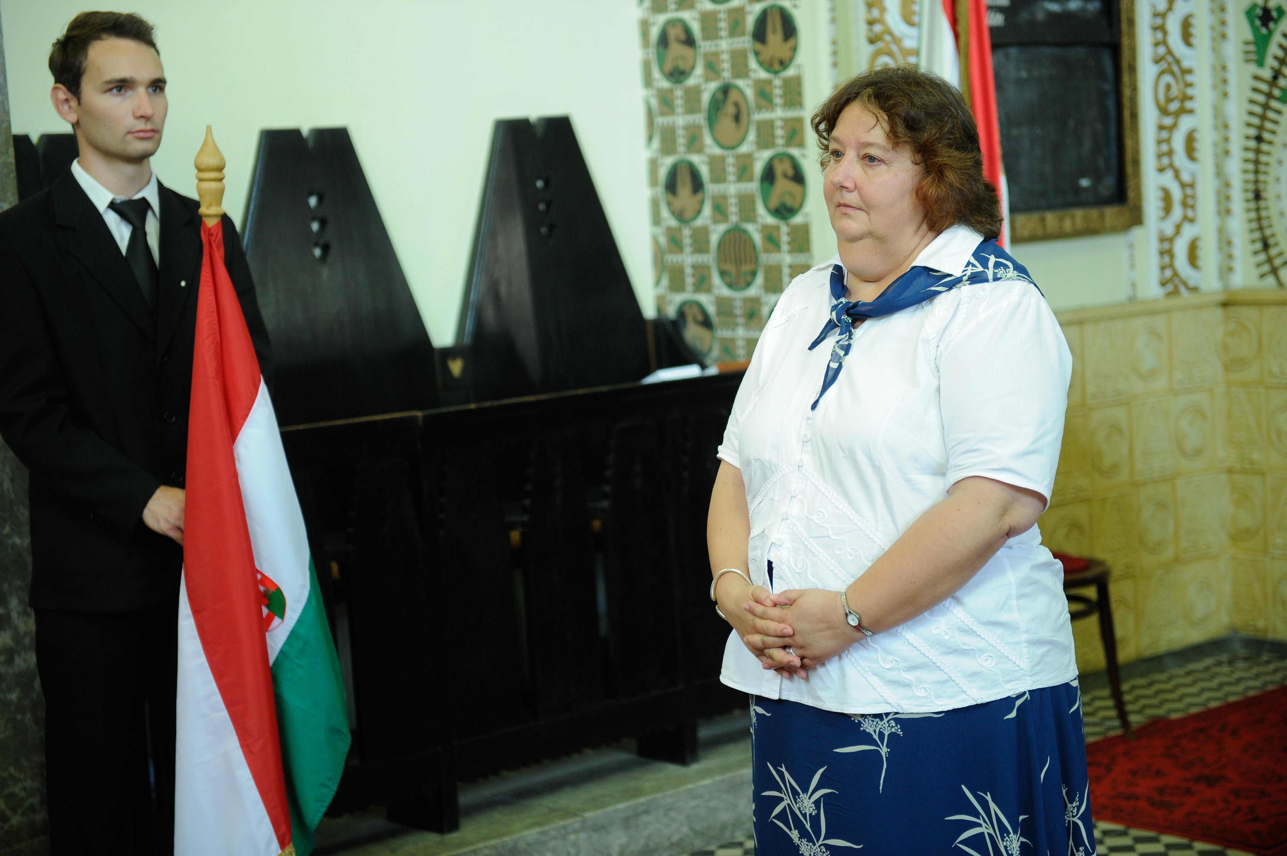 Szabó Erika a Károli Gáspár Református Egyetem kötelékében 1994 óta  dolgozik könyvtárvezetői beosztásban 583ba08315